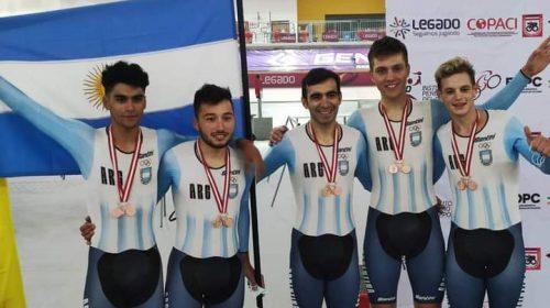 Rubén Ramos se colgó la medalla de bronce en la persecución por equipos