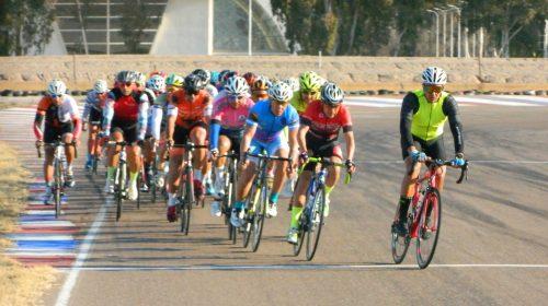 Con Agustín Oropel a la cabeza, los sanjuaninos la rompieron en el ciclismo de Libres y Master en Mendoza