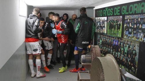 [VIDEO] Jugadores de San Martín y Barracas, a las piñas en el vestuario