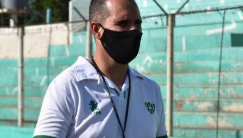 """Bove, tras la goleada que sufrió Sportivo: """"Tenemos la obligación de sentir vergüenza por un resultado así»"""