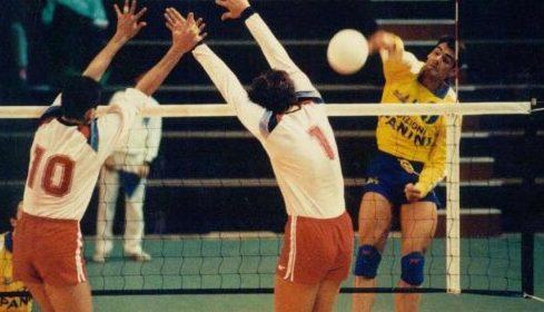 """Para Raúl Quiroga, """"la selección de vóley tiene condiciones para ganar la medalla de bronce"""""""