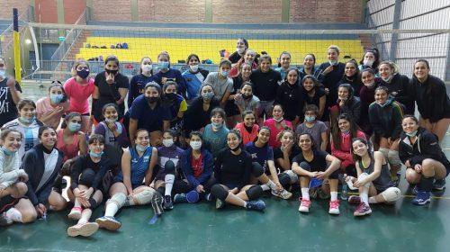 Fernanda Pereyra llegó a San Juan y recibió el cariño de sus compañeras y alumnas