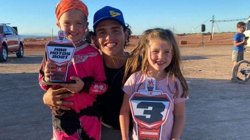 Delfi y Cata Rodríguez, las pequeñas discípulas del Wey Zapata que la rompen en motocross