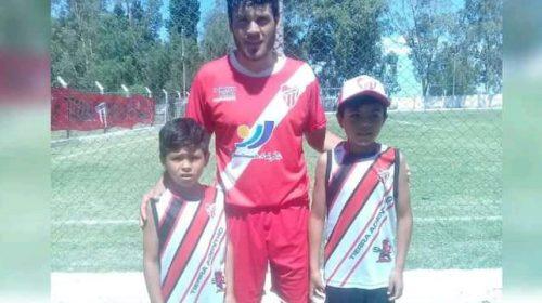Matías Castro y el deseo de jugar «hasta que den las piernas»